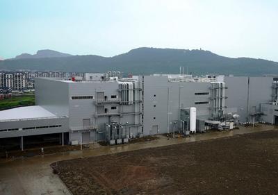 新工場の稼動により、蘇州工場での極板・セル・電池パックの一貫生産体制を... パナソニック/中国