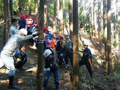 20121030sagawa1 - 佐川急便/子どもたちの「木育」体験教室に社有林を提供