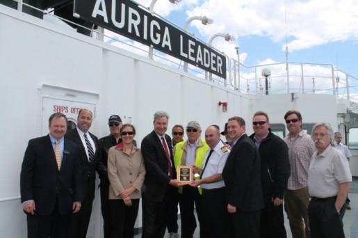 20140526nyk 515x342 - 日本郵船/米・上院議員が次世代型エコシップを訪船
