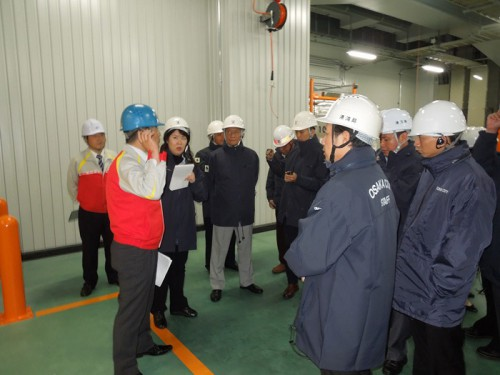 20141015yokorei2 500x375 - ヨコレイ/メコン4か国視察団が物流センターを見学