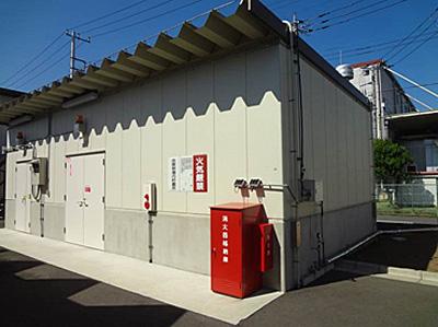 20141117mitsuisumitomo1 - 三井住友建設/危険物取扱倉庫に屋根散水システムで、室温10℃下げる