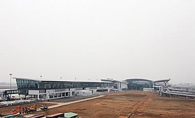 ノイバイ国際空港第2旅客ターミナルビル全景
