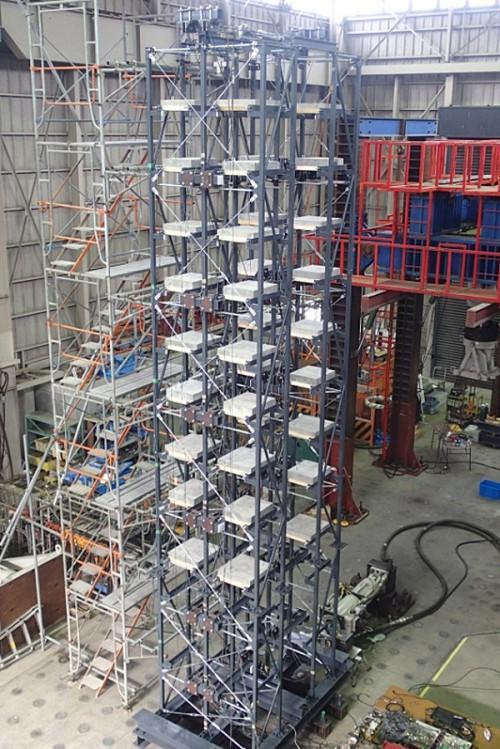 20150511toda3 500x749 - 戸田建設/ワイヤーロープを利用した立体自動倉庫制震工法を開発