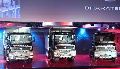 発表会で披露した新型車両
