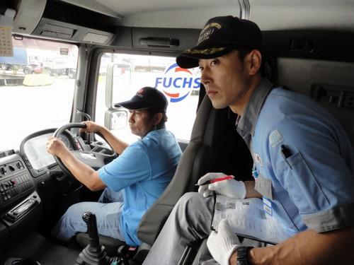 トラック内の指導の様子