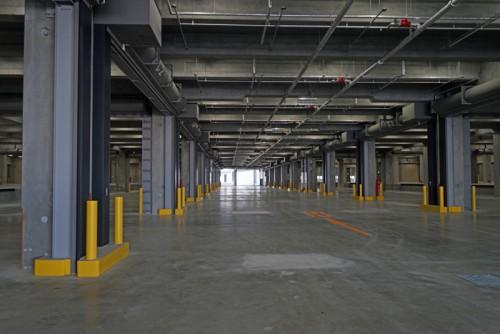 3階倉庫部分、柱間は広めの11m、高さは5.5m
