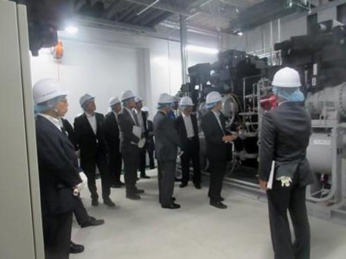 20151014yokorei2 500x375 - ヨコレイ/日本冷凍空調学会が夢洲物流センターを視察