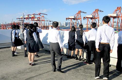20151111mol1 500x329 - 商船三井/施設への高校生訪問を積極的に受け入れる