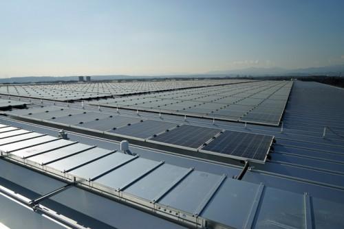 天井部の太陽光パネル