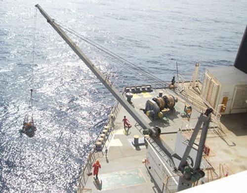 20160309nyk 500x390 - 日本郵船/運航船がフィリピン沖で遭難した漁船乗組員を救助