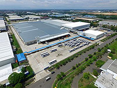 <P. T. Indonesia Epson Industry 新工場外観