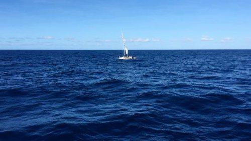 沈みかけていたヨット