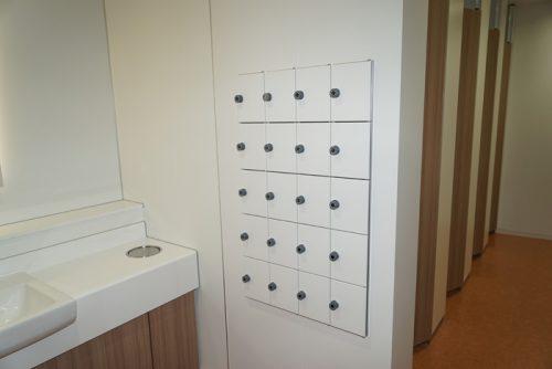 女性用トイレにパーソナルボックスを装備