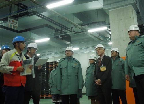 20160624yokorei 500x363 - ヨコレイ/在阪領事館視察団が夢洲物流センターを見学