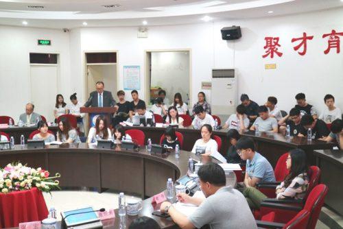 20160628senko 500x334 - センコー/上海の学校で物流講座を開講