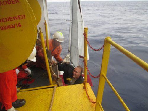 20160711nyk 500x375 - 日本郵船/メキシコ沖で遭難したヨット救助