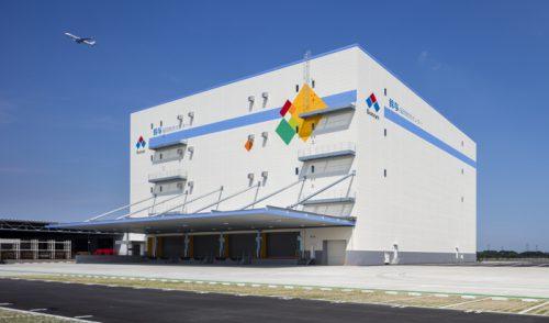 20160810suzuyo1 500x294 - 鈴与/福岡市に1.2万m2の物流センター竣工