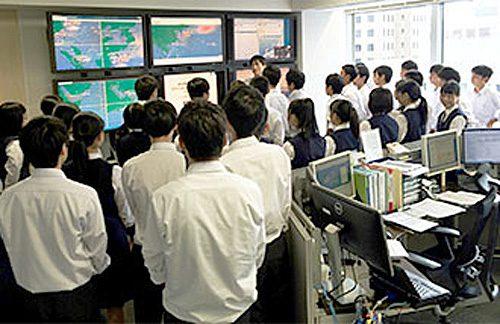 20161014mol 500x324 - 商船三井/海運業への理解促進で高校生が見学