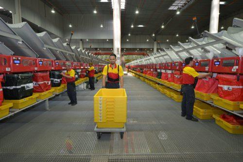 DHL南アジアハブ内のフライヤー自動仕分装置