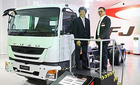 20161208fusof - 三菱ふそう/フィリピン初のFUSO専用ディーラーで、新型車両を発表