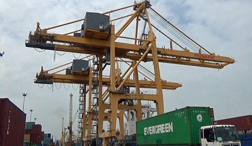 ミャンマーのヤンゴンにあるAWPTというターミナル。ヤンゴン近郊のターミナルでは最大のコンテナ貨物の取り扱いシェアを誇る