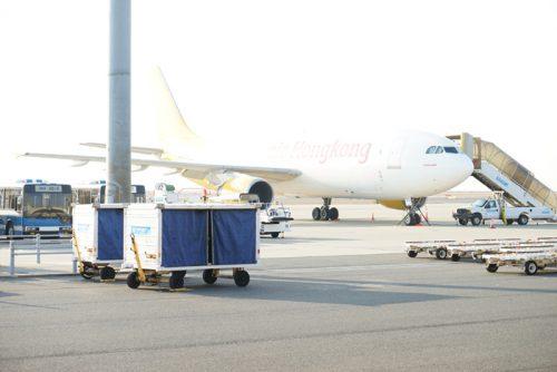 エアホンコンの機体が駐機中