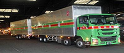 福山通運の連結トラック
