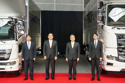 20170405hino26 500x332 - 日野自動車/埼玉アリーナで新型日野プロフィアと新型日野レンジャー発表
