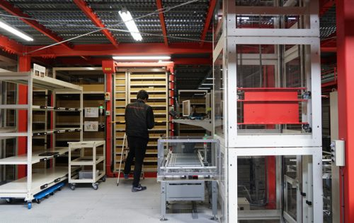 20170412monotaro4 500x316 - MonotaRO/自律搬送型ロボット導入の新物流拠点、本格稼働