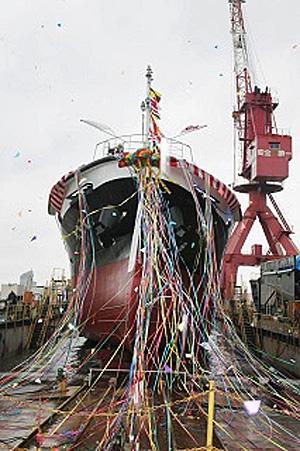 20170414nittsus1 - 日通商事/新造給油船「愛光丸」の進水式