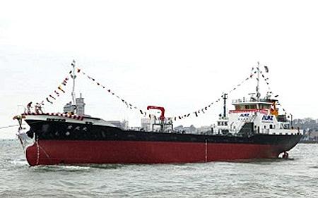 20170414nittsus2 - 日通商事/新造給油船「愛光丸」の進水式