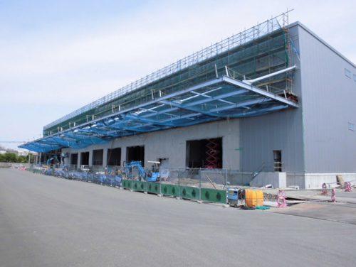 建設中の大型一般倉庫
