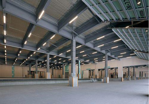 1階倉庫内、トラックバース(北側)トラックバース奥行寸法は有効 13.8mを確保