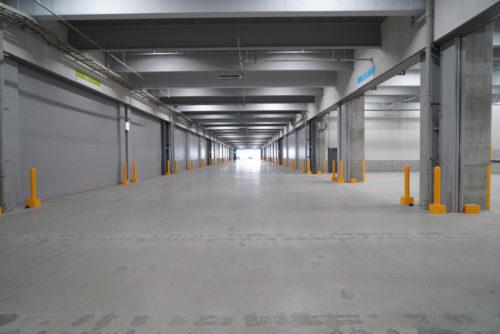中央車路は幅14メートル