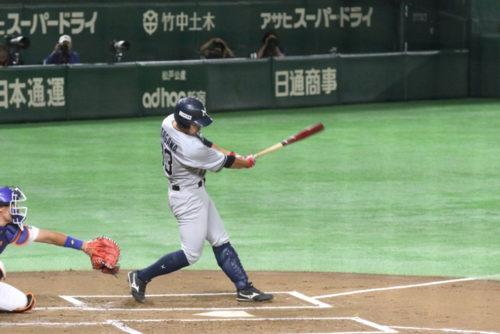 久慈賞を受賞した4番バッター北川内野手