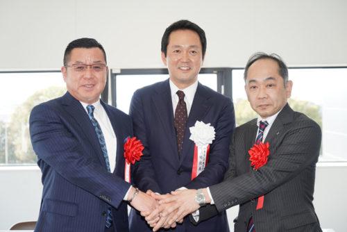 左からK's物流の平井社長、日本GLPの帖佐社長、サッポログループ物流の松崎社長