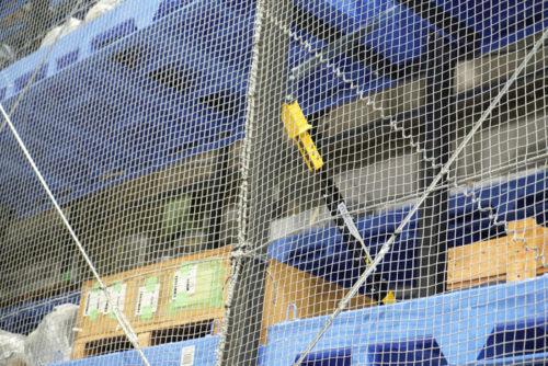長尺倉庫の免振装置(黄色の部分)