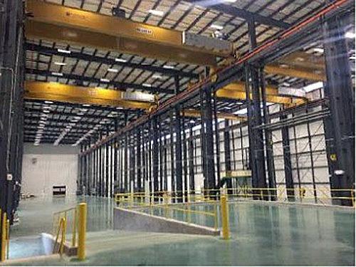 工場内部(組立てスペース)