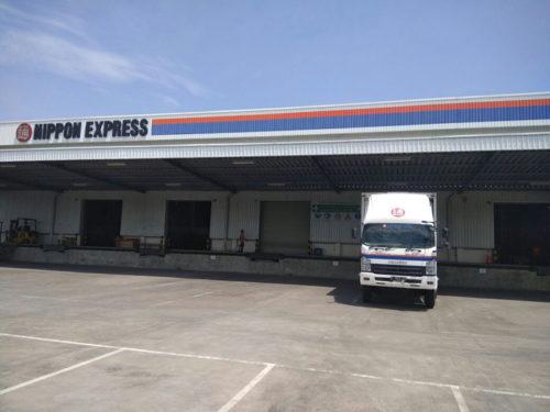 ハラール認証を取得した倉庫の1つであるミトラカラワン・ロジスティクス・センターの外観
