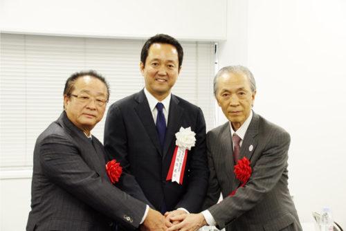 日本GLP・帖佐社長(中央)と丸二倉庫・湯川社長(右)、アーバンリサーチ・竹村社長(左)