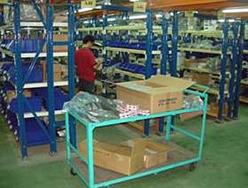 Uryi LS社の倉庫