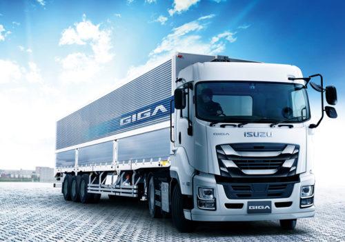 大型トラック「ギガ トラクタ」を改良