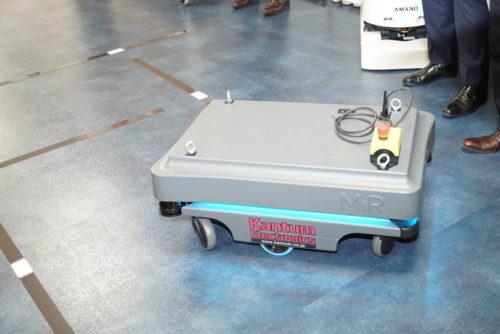 人協調型自立移動ロボットのデンマーク製MiR100