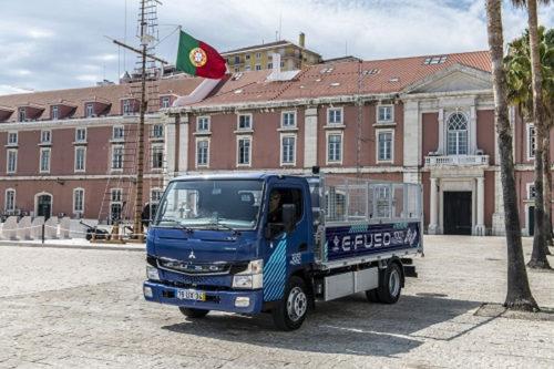 20180710mftb 500x333 - 三菱ふそう/量産電気小型トラックをリスボン市当局へ納入