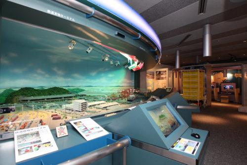 20180807amazon5 500x334 - アマゾン/物流博物館にAmazon Robotics、物流施設の仕組みを常設展示