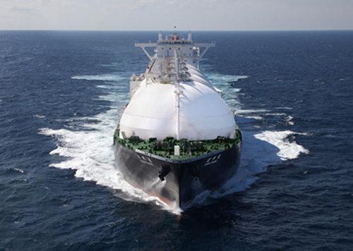 「遠州丸」と命名された新造LNG船