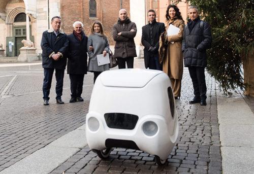 自立運行型配送ロボット「Yape」