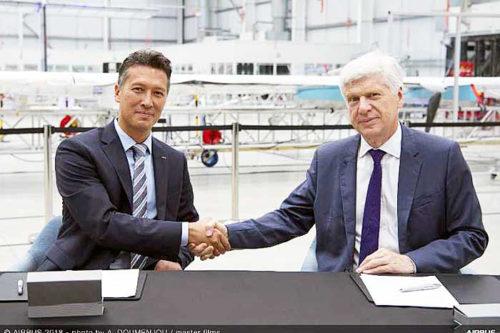 (左)Airbus Defence and SpaceのDirk Hoke CEO、(右)インターナショナルSOSのアーノルド・ヴェシエCEO
