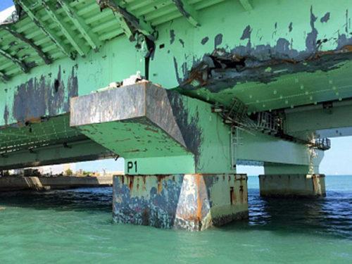 橋脚の損傷状況