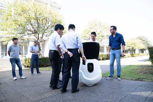 20180919dfa1 500x334 - DFA/慶応大学湘南藤沢キャンパス内で陸上用配送ドローンの実証実験